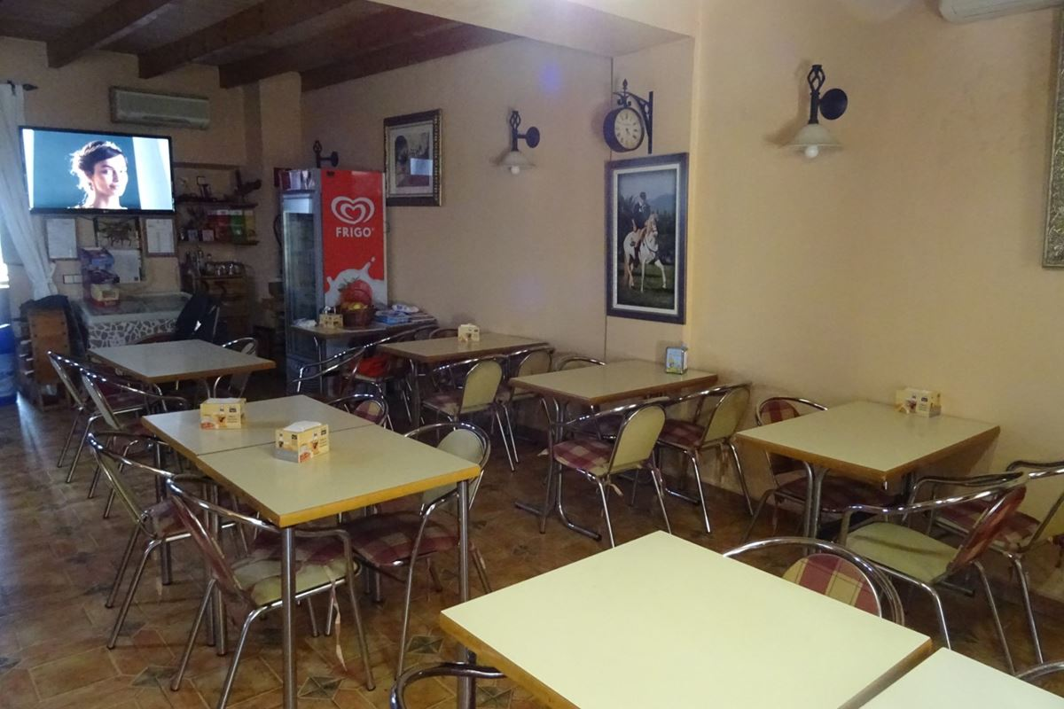Cafeteria in Consell, with the possibility of changing from